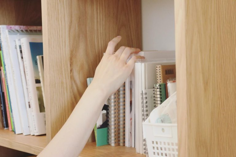 本棚/窓の家と生活