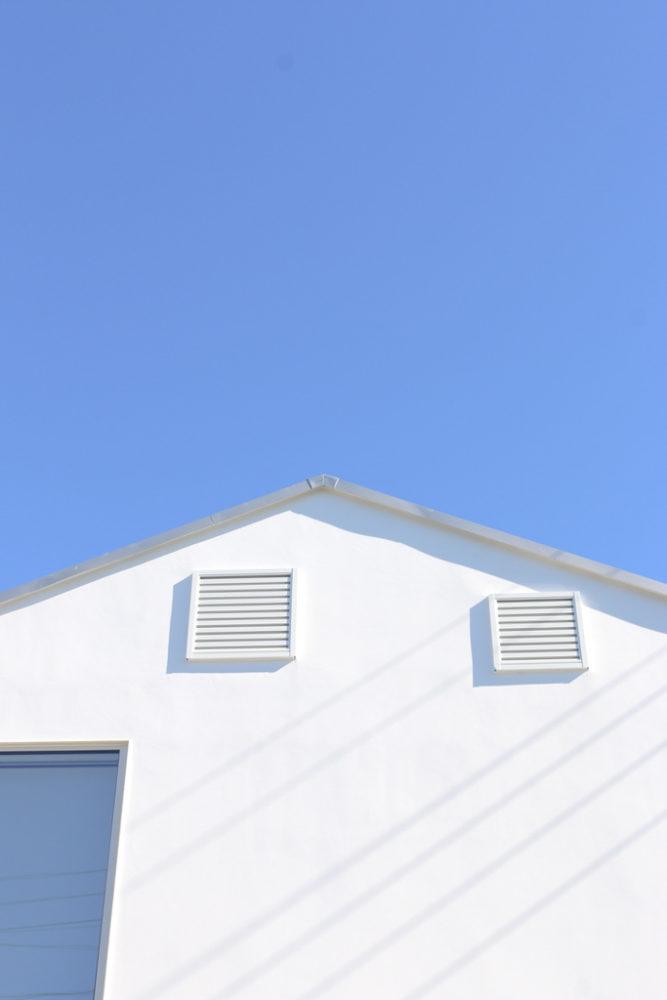 三角屋根の向こう側/窓の家と生活